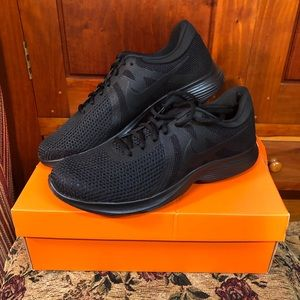Nike Sneakers NEW! w/ Box